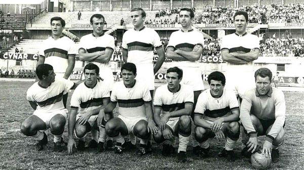 Una formazione del Catania 1966-67, in quella stagione in campo il giorno di San Silvestro